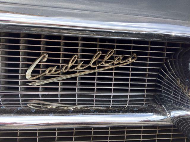Cadillac Coupe Deville Logo