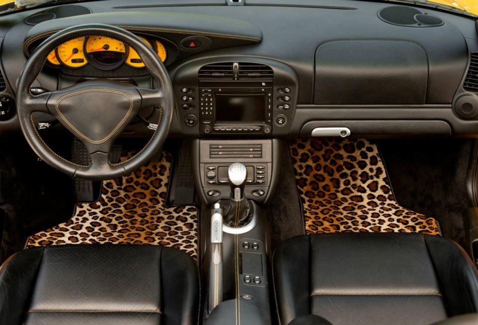 custom_leopard_auto_floor_mats.jpg