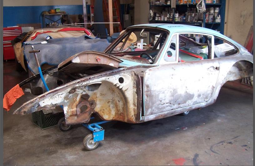 Porsche 911L at the beginning of the restoration process