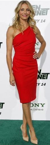 Cameron Diaz wears pointed toe shoes