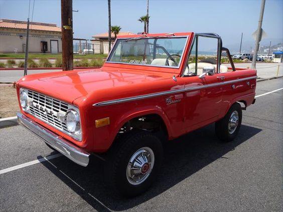 1972_Classic_Ford_Bronco.jpg