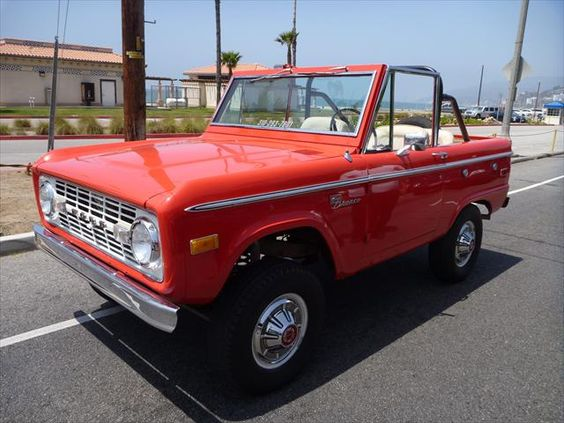 1972_Classic_Ford_Bronco.jpg