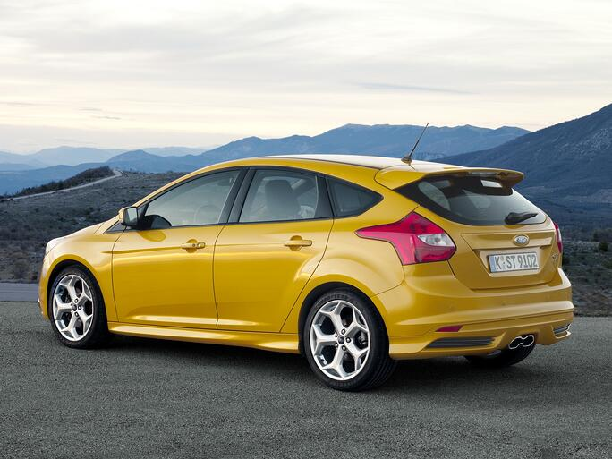 Yellow Ford Focus Hatchback