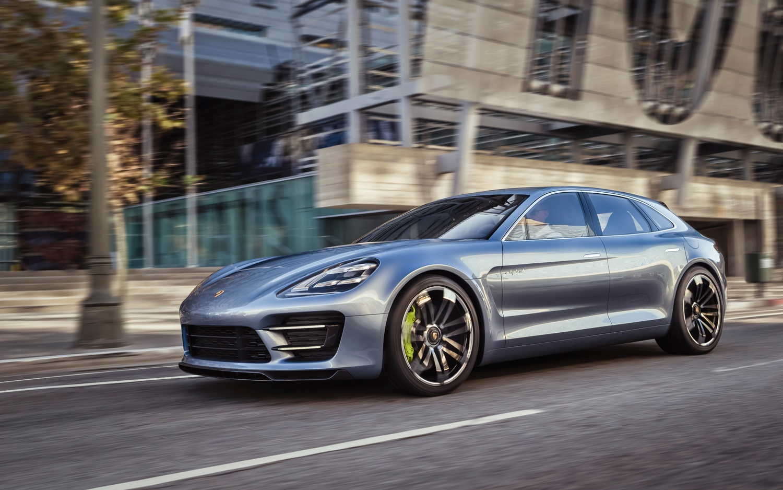 Porsche-Panamera-Sport-Turismo-Concept-front-three-quarters-in-motion-3.jpg